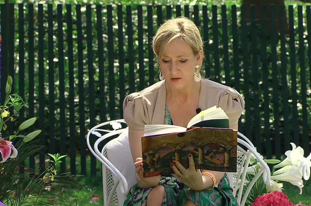 "J.K. Rowling reads ""Harry Potter and the Sorcerer's Stone"""